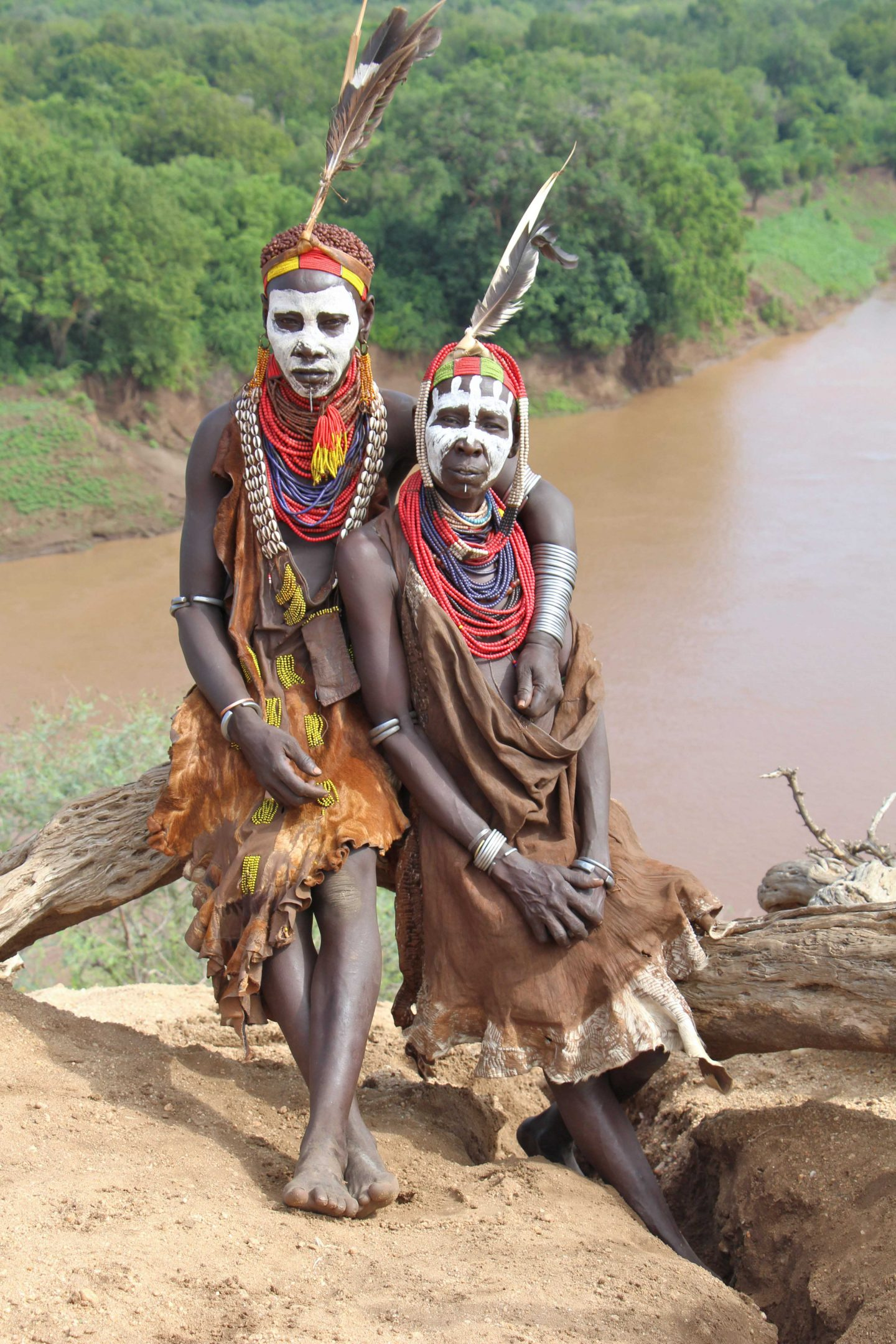 an introduction to the omo river valley Violent conflicts in the middle omo valley with  local conflicts were halted soon after the introduction of  (ie, through the path reaching the omo river),.